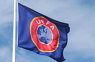 UEFA �bner racisme-sager