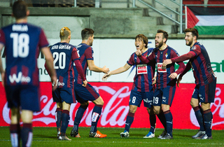 Bomberen Baston sikrede Eibar point