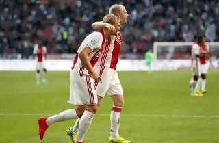 To Dolberg-kasser i Ajax-sejr