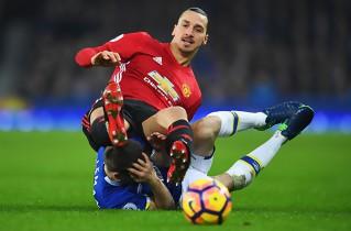 Everton fik sent point mod United