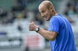 Steffen Højer jubler over mange målscorere