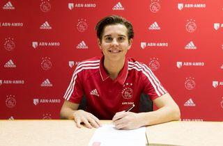 YL: Victor Jensen på tavlen i Ajax' storsejr