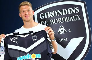 Cornelius assisterede i sen Bordeaux-sejr