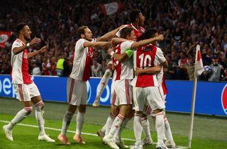 Dolberg fik comeback i komfortabel Ajax-sejr