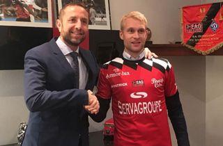 Johan Larsson er langt fra spilletid i Guingamp