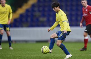 Talentfuld midtbanespiller takker af i Brøndby