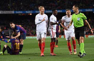 Kjær og Sevilla skal stoppe Barcelona