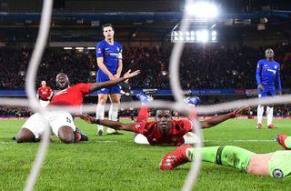 Skarp Pogba stangede United i kvartfinalen
