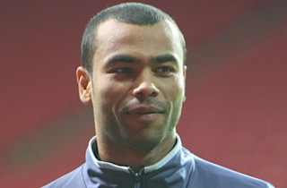 Ashley Cole afviser kontraktproblemer