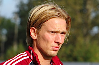 Olsen �bner d�ren p� klem for Chr. Poulsen
