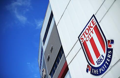 Clucas rykker fra Swansea til Stoke
