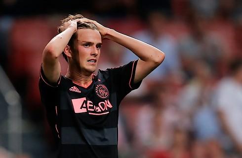 Lucas A. starter op hos Jong Ajax