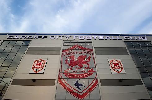 Cardiff lejer midtbanemand i Bournemouth