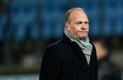Esbjerg fyrer Niels Frederiksen