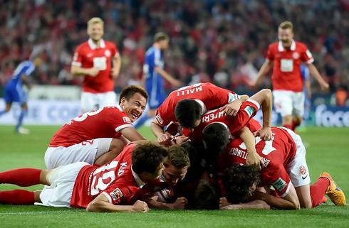 Mainz slog Schalke og halede ind p� top fire