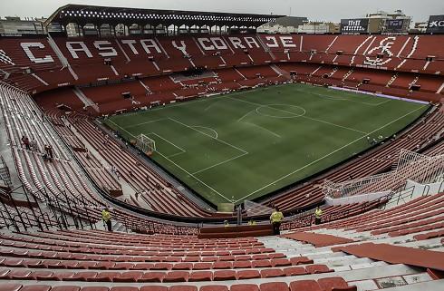 Sevilla køber fransk backprofil