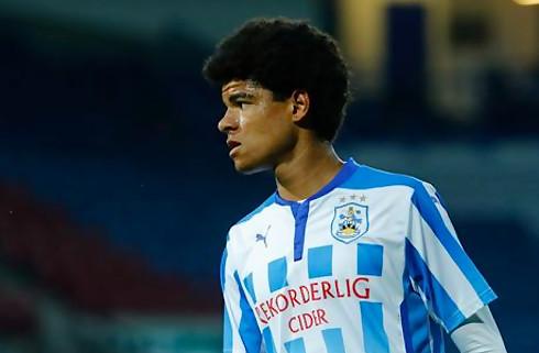 Billing scorede kanonmål for Huddersfield