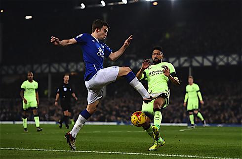 Everton slog City i intens pokaldyst