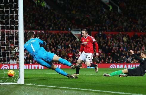 United br�d forbandelse og slog Stoke nemt