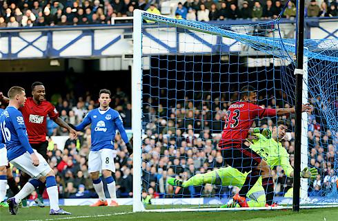 Everton skuffede p� Goodison
