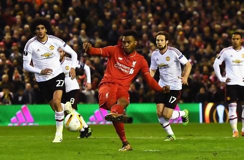 Sprudlende Liverpool satte United til v�gs