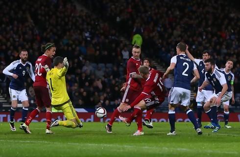Danmark tabte i Glasgow efter blunder