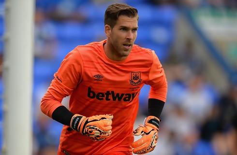 West Ham forlænger med Adrian