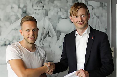 Lars S. glæder sig til Meilingers venstrefod