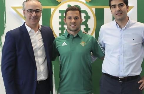 Officielt: Durmisi skifter til Real Betis