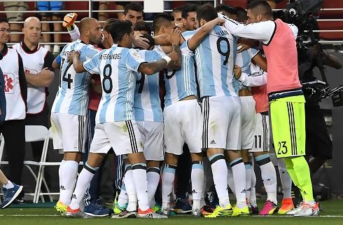 Argentinsk triumf i ensidig forestilling