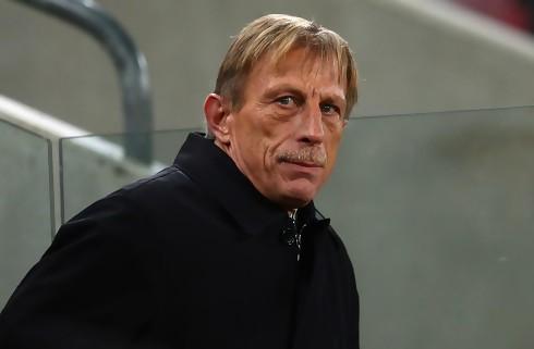 Rumænien fyrer landstræneren