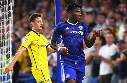 Chelsea sender Batshuayi til Valencia