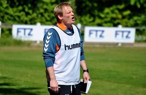AB smider Per Frandsen på porten