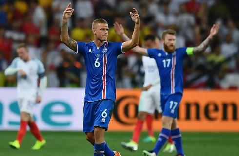 Island smed choksejr mod verdensmestrene