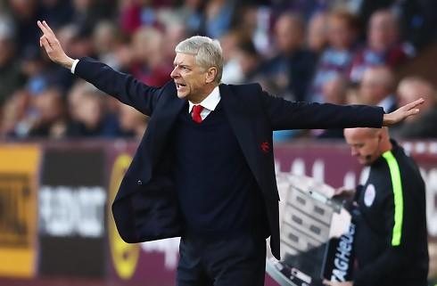 Wenger afviser magtskifte i det nordlige London