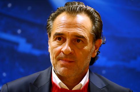 Genoa fyrer træner: Prandelli tager over