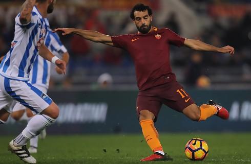 Roma: En engelsk klub har budt på Salah