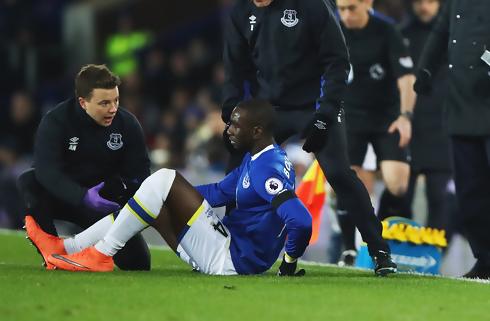 Everton-kant ude 11-12 måneder endnu