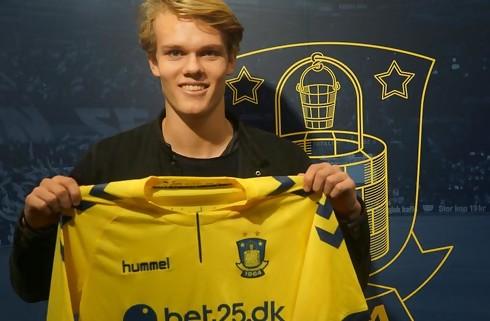 Ung BIF-back forlænger og udlejes til HB Køge