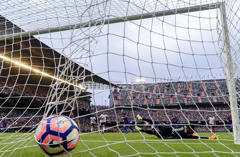 Valencia sender brasilianer til Sao Paulo