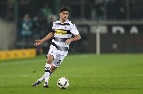 Gladbach sender Dahoud til Dortmund