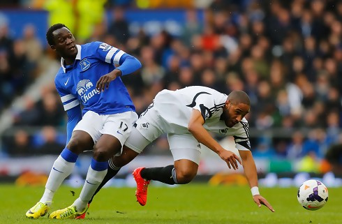 Ashley Williams hylder varm Lukaku