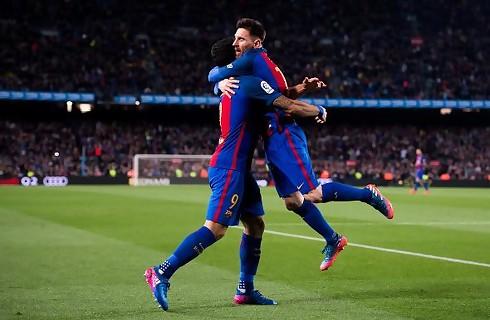 Barcelona besejrede Valencias 10 mand