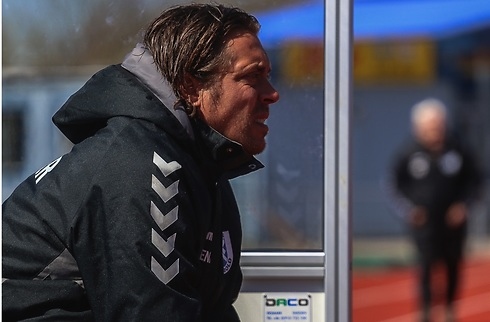 AB præsenterer Michael Madsen som træner