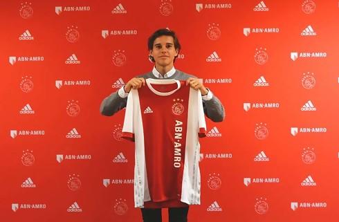 Victor Jensen vil spille sig til tops i Ajax