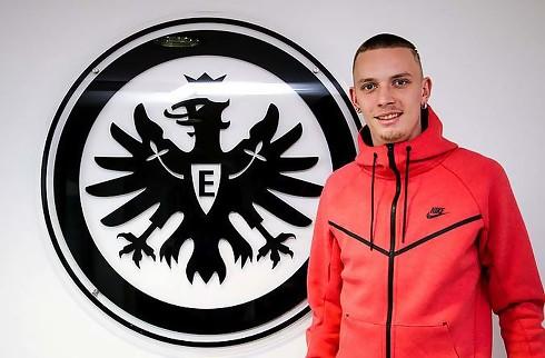 Eintracht forlænger kantspillers lejeophold