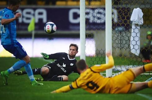 Lyngby-keeper er tvivlsom til SIF-møde