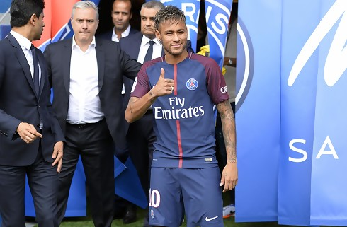 Neymar åbnede scoringen i PSG-premieresejr
