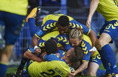 Tibbling sikrede Brøndby-sejr i dramatisk derby