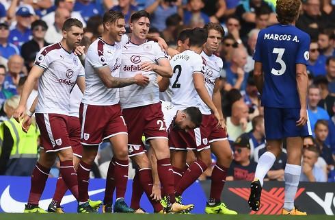 Burnley slog Chelsea i dramatisk brag